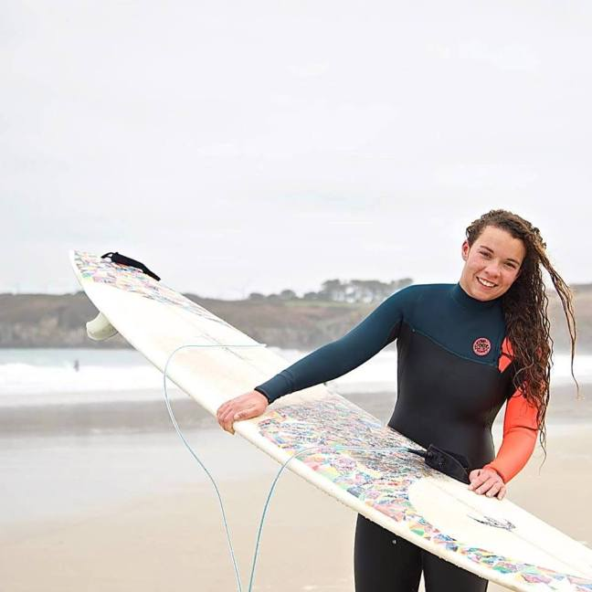 ®surf4smile-surfforsmile*_Camille_championne_BZH©Dubana